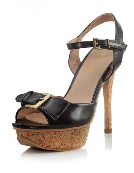 Siyah Tokalı Mantar Platform Topuk Ayakkabı