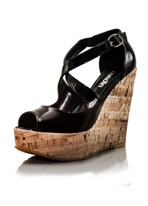 Siyah Mantar Dolgu Topuk Açık Burun Ayakkabı