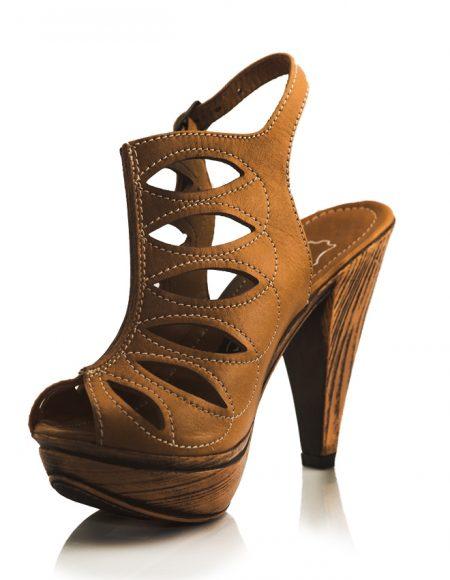 Bej Ahşap Desen Platform Topuklu Sandalet