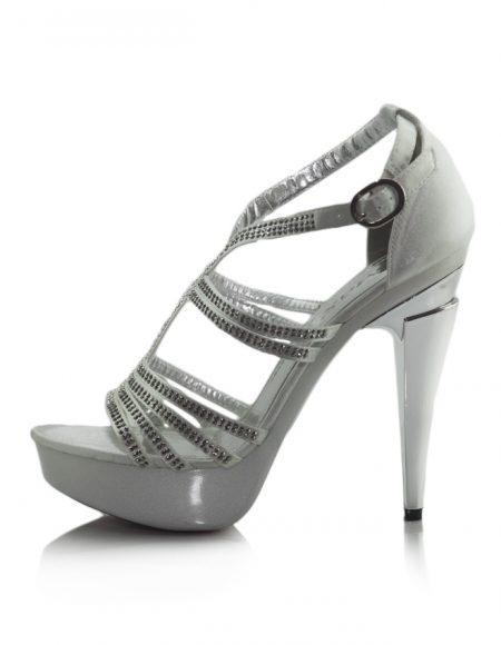 Taşlı Beyaz Platform Topuklu Açık Ayakkabı 2