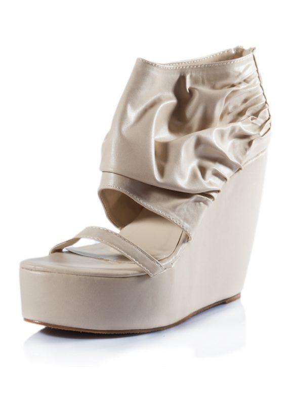 Krem Dolgu Topuklu Açık Sandalet Ayakkabı